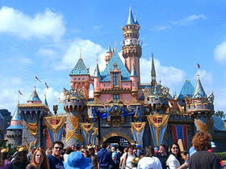 إعادة افتتاح منتجع ديزني لاند في كاليفورنيا بحلول نهاية أبريل