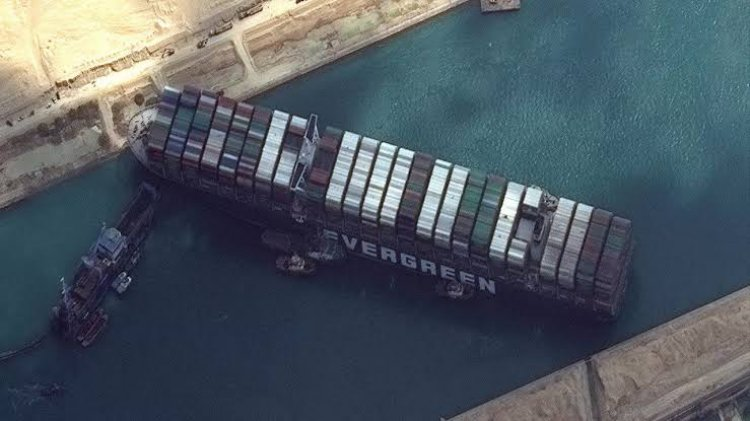 تركيا تجدد عرضها لمساعدة  مصر في أزمة السفينة الجانحة