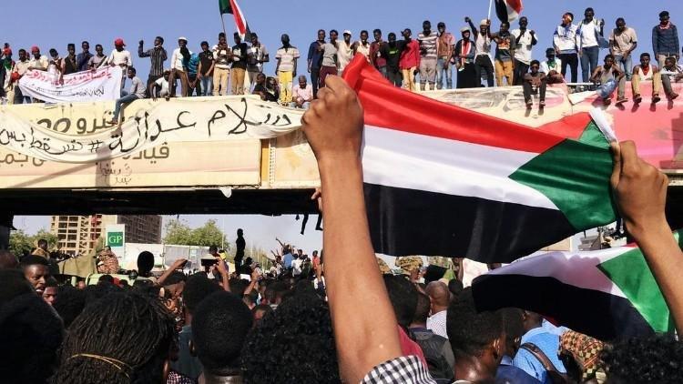 حزب الأمة السوداني يرفض الدولة العلمانية ومبدأ تقرير المصير، وفرض الأجندة الأيدلوجية كشرط لتحقيق السلام.