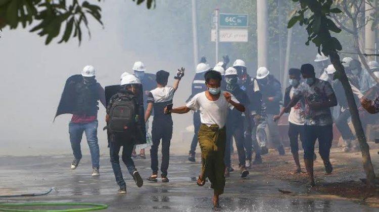 ميانمار: أكثر من ٧٠٠ قتيل منذ الانقلاب والاحتجاجات مستمرة