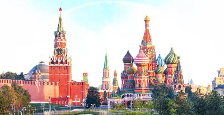 بوتين يوجه الحكومة بتطوير نظام فيزا إلكتروني يتيح إصدار تأشيرة الدخول في غضون 4 أيام.
