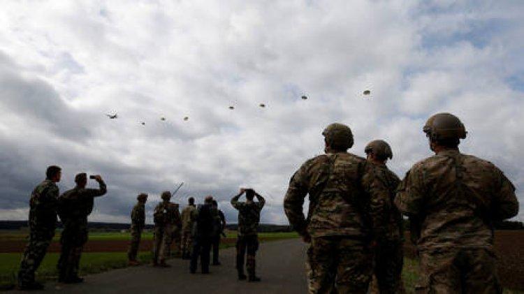 الجيش الأمريكي ينفذ عملية إنزال كبيرة قرب حدود روسيا