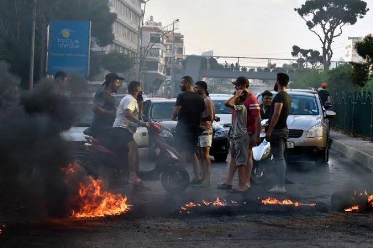 جنوب لبنان: احتجاجات وقطع طرق بسبب نقص المازوت وانقطاع الكهرباء