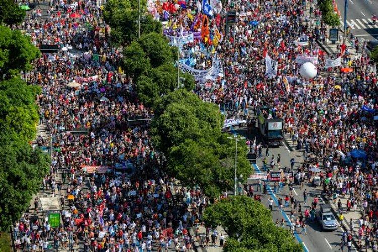 برازيليون يخرجون إلى الشوارع مجدداً للمطالبة بمساءلة بولسونارو