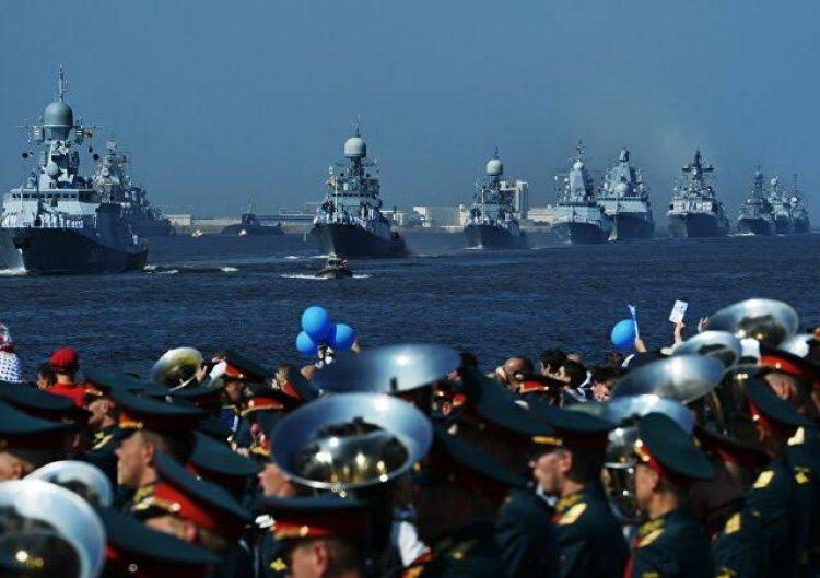 بوتين يشيد بمقدرة سلاح البحرية رصد أي عدو وشن هجوم لا يمكن منعه
