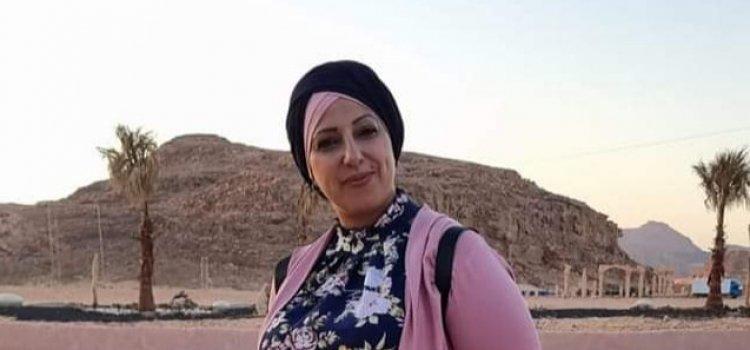 الفنانة التشكيلية الفلسطينية أحلام بهنسي تشارك في ملتقى الفن والجمال الثالث في العقبة