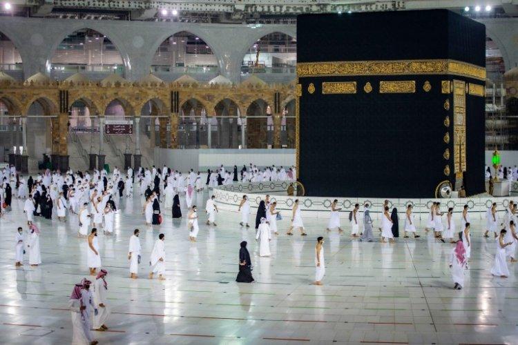 السعودية.. تصاريح العمرة للمطعمين فقط ضد كورونا