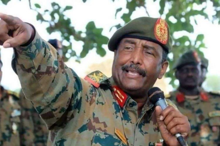 السودان.. المجلس العسكري يطالب بحل الحكومة