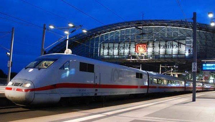 ألمانيا تطلق أول قطار آلي في العالم دون سائق