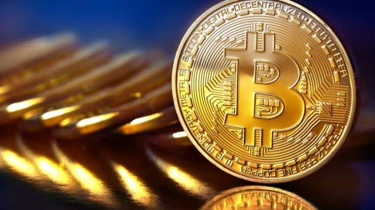 بيتكوين تهوي 4%.. العملة الرقمية تبحث عن منشطات